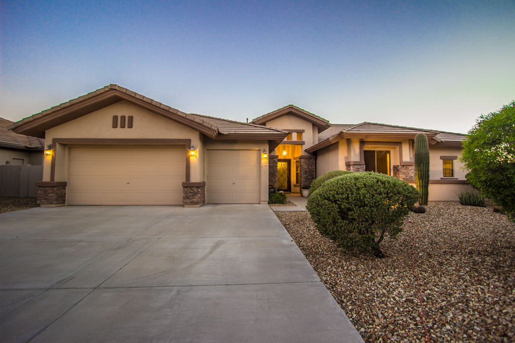 cave creek single parents Private laundry | view 62 photos of this 6 bed, 6 bath, 6,001 sq ft single family home at 5027 e calle de los arboles, cave creek, az 85331 on sale now for $1,500,000.