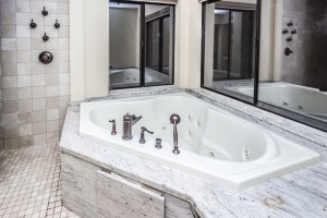 Bath master jetted Jacuzzi tub