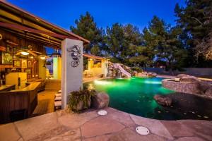 Pool house to pool