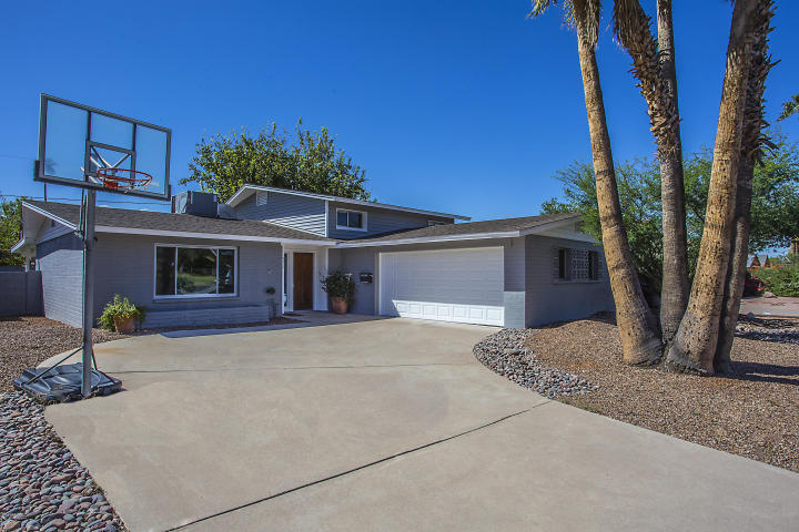 Beautiful Remodeled Tri Level In The Heart Of Scottsdale